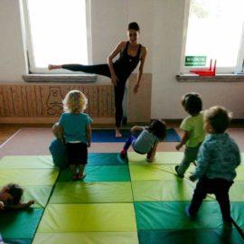 Zabawy z jogą